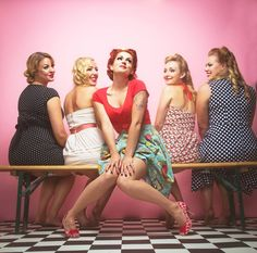 vintage hen party photoshoot © 7two9 Photography