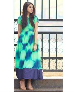 Shop Green tie and dye dress Western Dresses, Indian Dresses, Indian Outfits, Indian Clothes, Cotton Long Dress, Cotton Dresses, Ethnic Fashion, Indian Fashion, Simple Kurta Designs