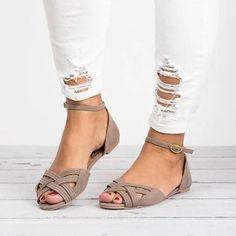 2bc0936e3f9b Heel Covering Line-Style Buckle Block Heel Peep Toe Plain Casual Sandals