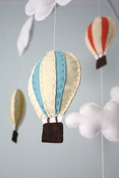 New Diy Baby Mobile Felt Tutorials 66 Ideas Baby Crafts, Felt Crafts, Bebe Love, Diy Hot Air Balloons, Baby Mobile Felt, Felting Tutorials, Crafty Craft, Baby Decor, Decoration