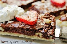 Chocolate Strawberry Slab Pie by From My Sweet Heart Pie Recipes, Sweet Recipes, Dessert Recipes, Yummy Snacks, Yummy Treats, Healthy Snacks, Yummy Food, No Bake Desserts, Just Desserts