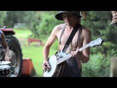 Steve 'N' Seagulls - Thunderstruck (ACDC Live Cover)