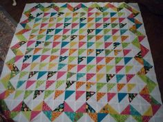 HST Quilt with Ziz-Zag Border    Just the finish I need for my HST 1930's quilt!!