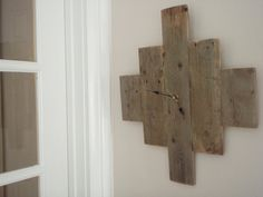Barn wood clock. Must. Own. This.