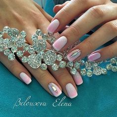 Beautiful wedding nails, Exquisite nails, Gentle gradient nails, Ideas of gradient nails, Luxurious nails, Luxury nails, Nails for wedding dress, Original nails