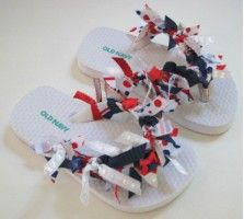 How to make ribbon flip-flops July Crafts, Summer Crafts, Summer Fun, Patriotic Crafts, Craft Activities For Kids, Crafts For Kids, Childcare Activities, Preschool Projects, Children Crafts