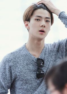 Oh Sehun♥♥♥♥♥♥ This pic is so nice
