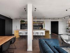 בתים יפים: שיפוץ דירת חמישה חדרים בתל אביב