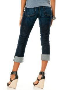 A Pea in the Pod Collection: Citizens of Humanity Dani Secret Fit Belly(tm) 5 Pocket Straight Leg Maternity Crop Jeans: http://www.amazon.com/Pea-Pod-Collection-Citizens-Maternity/dp/B0073S80H2/?tag=greavidesto05-20...