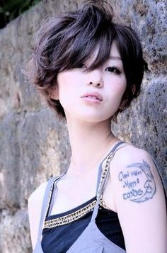 such a cute short hair style!  Grace you should get your hair cut like this :)