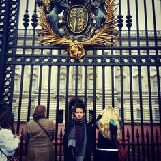 Travis Garland Instagram Update: Tourist at Buckingham Palace