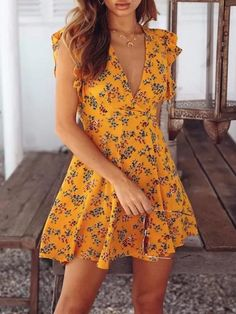 Fashion Tips For Beginners Vintage Floral Print Sleeveless Dresses Days Delivery).Fashion Tips For Beginners Vintage Floral Print Sleeveless Dresses Days Delivery) Cute Dresses, Casual Dresses, Casual Outfits, Fashion Dresses, Cute Outfits, Floral Dresses, Sleeveless Dresses, 70s Fashion, Fashion Trends