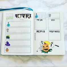 29 Spooky Halloween Bullet Journal Layouts and Spreads halloween bullet journal layout & spread Bullet Journal Halloween, Bullet Journal Spread, Bullet Journal Ideas Pages, Bullet Journal Layout, Bullet Journal Inspiration, Journal Pages, Bullet Journals, Journal Prompts, Bujo