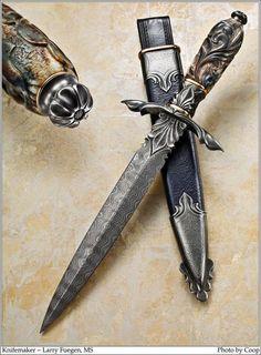 Gallery of handmade knives. Just beautiful.