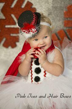 6e5c1f6ae9073 26 Best Ella's 6 month pics images   Kid photo shoots, Newborn ...