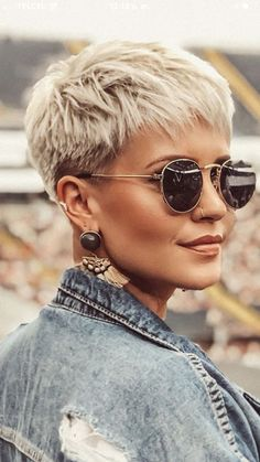 Short Hair Cuts For Women, Short Hairstyles For Women, Short Hair Styles, Very Short Pixie Cuts, Work Hairstyles, Simple Hairstyles, Hairstyle Short, Everyday Hairstyles, Blonde Haircuts
