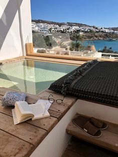 See a list with the 10 best view hotels in Greece. Check out rooms with unforgettable views where you can expect luxurious hospitality in amazing locations! Mykonos Hotels, Greece Hotels, Mykonos Greece, Athens Greece, Crete Greece, Santorini, Best View Hotel, Best Hotels