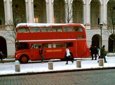 Zima: Londyńskie autobusy w WAWA http://pawa.blox.pl/2013/01/Zima-Londynskie-autobusy-w-Warszawie.html