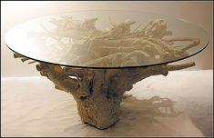 Столик кофейный из бревна и стекла своими руками