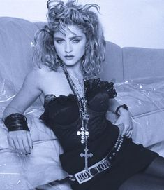 Madonna Looks, 1980s Madonna, Madonna Pictures, Lady Madonna, 80s Trends, Pop Rock, Italian Beauty, Lucky Star, Great Bands