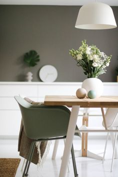 Living Room Colors, Nordic Design, Decor Room, Living Room Interior, My Dream Home, Office Desk, 3 D, Dining Table, Colours