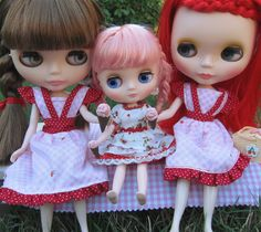 Middie and Neo Blythe dolls with miniature ice cream cones