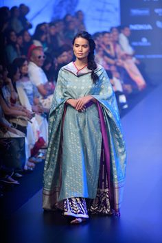 Gaurang at Lakmé Fashion Week winter/festive 2018 Ethnic Outfits, Boho Outfits, Trendy Outfits, Fashion Outfits, Indian Bridal Fashion, Indian Wedding Outfits, Indian Outfits, Indian Attire, Indian Wear