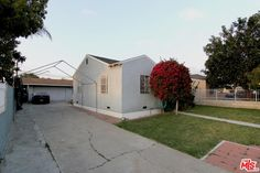 Tow car detached garage, plus drive way/ RV access to park additional automobiles.