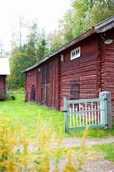 Gorgeous family farm in Sweden Country Living, Country Style, Country Homes, Country Lifestyle, Yellow Houses, Swedish House, Old Houses, Wooden Houses, Farm Houses