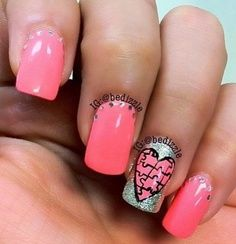 i don't really like the pink but i do like the puzzle nail