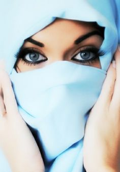 woman in sky blue beautiful hijab niqab photos pictures styles fashion women girl half images girlvalue photo Gorgeous Eyes, Pretty Eyes, Cool Eyes, Amazing Eyes, Beautiful Hijab, The Face, Exotic Beauties, Muslim Women, Black And White Photography