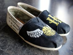 16 Items That Every Harry Potter Fanatic Must Own -- via buzzfeed.com. @Augustine Busch must see this!
