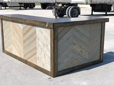 The Rough Sawn - 8 x 6 rough sawn cedar and birch bar, sales counter ot reception desk by BuyfooBARS on Etsy Rustic Barn, Rustic Style, Backyard Camping Parties, Island On Wheels, Cash Wrap, Cafe Counter, Outdoor Patio Bar, Dry Bars, Style Rustique