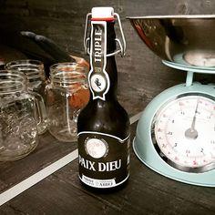 C'est dimanche je me laisse donc tenter par la PAIX DIEU, bière triple Abbaye Cistercienne belge. Franchement c'est super sympa à ouvrir, la bouteille je kiffe et elle est super bonne ! #paixdieu #beer #biere #instabeer #beertagram #drink #proost #abbaye Belgian Beer, Sunday, Peace, God, Bottle