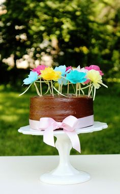Tissue Paper Flower Cupcake or Cake Toppers: Icing Designs DIY Projects
