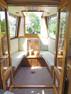 Sun Room Barge Boat, Canal Barge, Barge Interior, Houseboat Living, Houseboat Ideas, Small Boats, Canal Boat Interior, Narrowboat Interiors, Narrow Boat