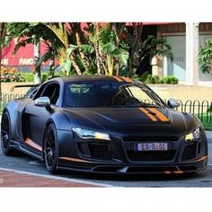Mean looking Audi Not the fastest or most expensive of the super cars but still my dream baby. The color way is gorgi too Maserati, Bugatti, Lamborghini, Ferrari, My Dream Car, Dream Cars, E90 Bmw, Mc Laren, Audi Cars