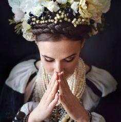 Les Ukrainiennes sont fières de leurs origines et le montrent avec style