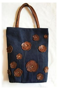 Diy Sac, Denim Crafts, Leather Flowers, Denim Bag, Handmade Bags, Handmade Handbags, Handmade Leather, Leather Handbags, Fabric Handbags