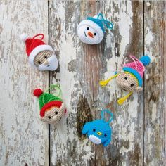 Add a homemade touch to your Christmas decorations with these crochet patterns, to make your own festive wreath and baubles.  Your pattern download includes 5 different bauble designs. The different parts are mostly worked in straight forward double crochet, these enjoyable makes will become regular guests on your tree & mantelpiece!  #christmas #crafting #baubles #wreath