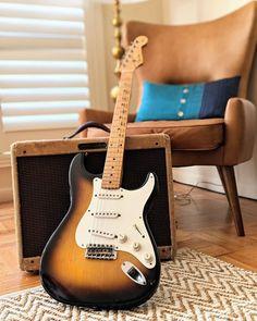 Fender Electric Guitar, Vintage Electric Guitars, Vintage Guitars, Fender American Deluxe, Fender Deluxe, Guitar Keys, Guitar Pedals, Fender Stratocaster Hss, Vintage Les Paul