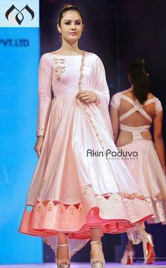 FatimaBi Plus size Fashion Pakistani Bollywood Designer Partywear Anarkali Dress Indian Party Wear, Indian Wedding Outfits, Indian Wear, Indian Outfits, Dress Cuts, I Dress, India Fashion, Girl Fashion, Anarkali