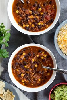 Here's a quick, homemade meal that I know your family will love: slow cooker turkey black bean chili. You can throw it together in the morning or freeze it for a morning when you can't afford to open… Slow Cooker Freezer Meals, Healthy Freezer Meals, Slow Cooker Recipes, Healthy Recipes, Crockpot Recipes, Freezer Cooking, Dump Meals, Healthy Soups, Frugal Meals