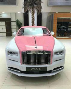 """7,769 aprecieri, 69 comentarii - Rolls-Royce Motor Cars ® (@rollsroyce_fan) pe Instagram: """"Pink Shade.. wraith.  : @abudhabi_motors #rollsroyce_fan #rollsroyce #ghost #cadillacs_fan #brabus…"""""""