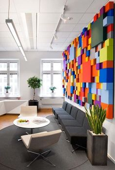 30 Modern Office Design ideas and Home Office Design Tips RECEPTION-Pensionsmyndigheten Office Cheerful Pensions Agency Interior Design in Sweden Modern Office Design, Office Interior Design, Office Interiors, Office Designs, Office Wall Design, Color Interior, Modern Interiors, Graphic Designer Office, Commercial Office Design
