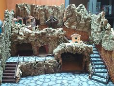Per un paese civile: dicembre 2011 Christmas Crib Ideas, Christmas Diy, Christmas Decorations, Holiday Decor, Diy Nativity, Christmas Nativity, Nativity Scenes, Christmas Villages, Xmas Crafts
