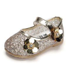 c2bd3f54189a Qoblo 2018 Bebê Meninas Lantejoulas Sapatos de Crianças Enfants Princesa Do  Casamento Dos Miúdos Dos Saltos Altos Vestido de Festa…