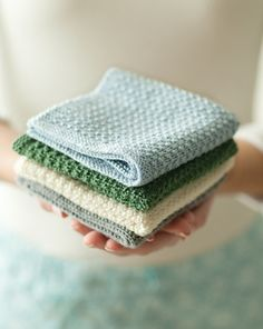 The next knitting project: washcloths made out of bamboo yarn - colorful and silky