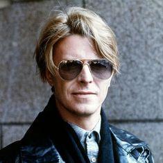 In memory of David Bowie: le foto più belle del Duca Bianco Musica Disco, Musica Pop, Marc Bolan, Glam Rock, David Bowie, Tony Scott, The Thin White Duke, Love Is, Star Wars