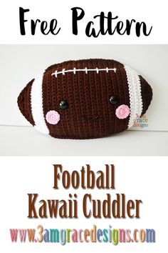 Crochet Diy Our free amigurumi football crochet pattern makes an awesome pillow for the sport lover in your world! Kawaii Crochet, Crochet Diy, Crochet Pillow, Crochet For Kids, Crochet Tutorials, Crochet Children, Crochet Cushions, Crochet Ideas, Crochet Flower Patterns